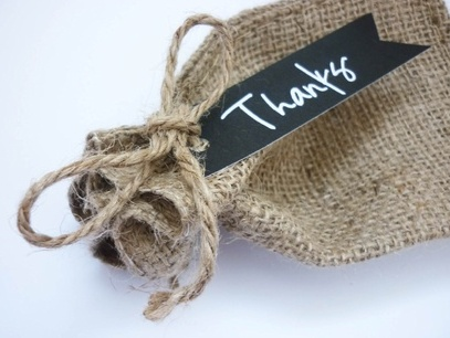 Rustic style burlap bag with customised tag – sample